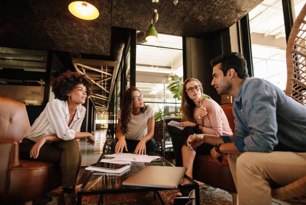 Học hỏi từ người đi trước là một trong những bí quyết kinh doanh thành công