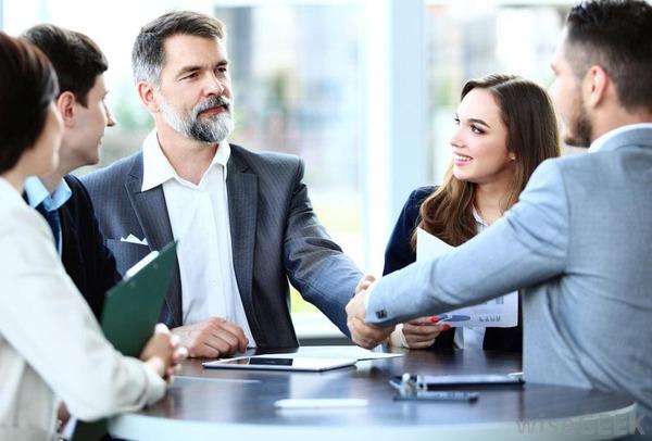 Bí quyết thành công - nhìn thẳng khi giao tiếp