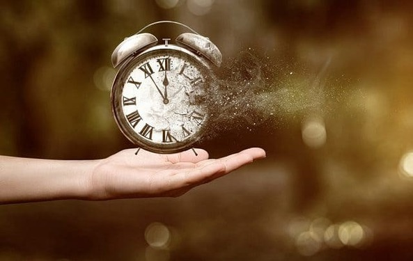 Cách quản lý thời gian của người thành công khác với những người bình thường đó là không bao để thời gian trôi qua vô ích