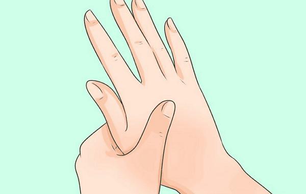 Cách tự tin khi phỏng vấn – siết chặt cơ và mát xa bàn tay