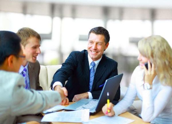 Tôn trọng khách hàng là kỹ năng giao tiếp trong kinh doanh mà dân sales cần nắm vững