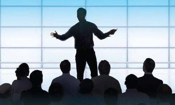 Kỹ năng nói trước đám đông rất cần thiết trong nhiều tình huống