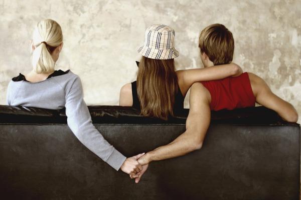Nguyên nhân ly hôn – ngoại tình