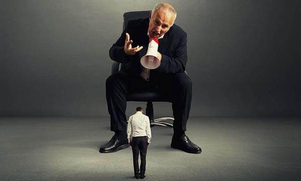 Phong cách lãnh đạo độc đoán