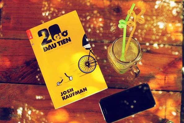 """Mở đầu cuốn sách """" 20 giờ đầu tiên"""" là những nguyên tắc để học kỹ năng hiệu quả và nhanh chóng"""