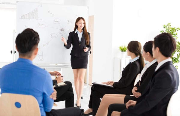 Cách tự tin khi thuyết trình trước đám đông
