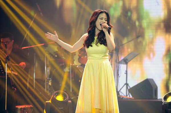 Giữ tinh thần thoải mái là một trong những cách tự tin hát trước đám đông